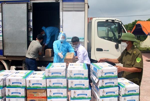 Vinamilk dành 2 triệu sản phẩm tiếp sức cộng đồng và tuyến đầu chống dịch-3