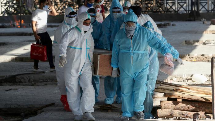 50 bác sĩ tử vong trong một ngày vì Covid-19 ở Ấn Độ-2
