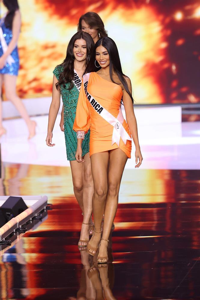 Đôi tình nhân gây xúc động tại chung kết Miss Universe 2020-1