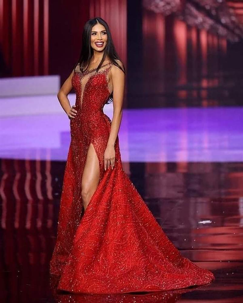 Đôi tình nhân gây xúc động tại chung kết Miss Universe 2020-10