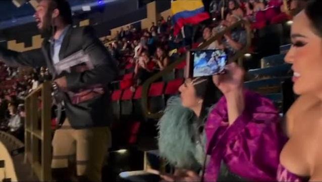 Đôi tình nhân gây xúc động tại chung kết Miss Universe 2020-7