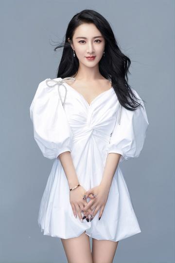 Nữ ca sĩ trở thành tỷ phú Trung Quốc-1