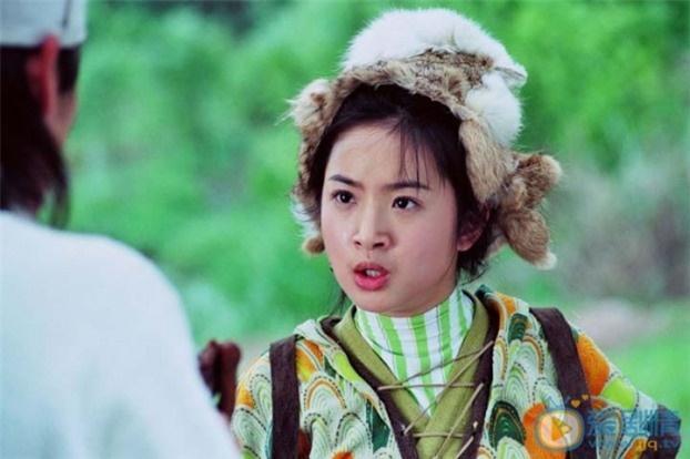 Mũ cổ trang của mỹ nữ Cbiz: Dương Mịch đội tổ chim, Lưu Diệc Phi đội mâm ngũ quả-12