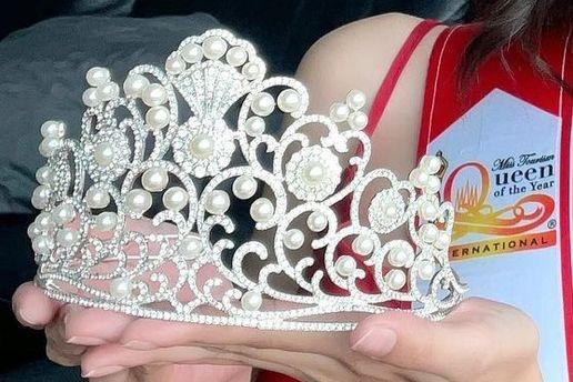 Hoa hậu Du lịch Thái Lan bị nghi đạo nhái vương miện của Hoa hậu Đỗ Mỹ Linh-4