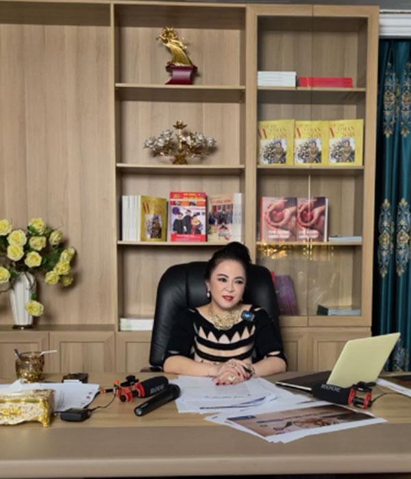 Bà Phương Hằng: 'Tôi không sống bằng nghề đi buôn nước bọt như Kỳ Duyên'