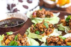 Cách làm xà lách bọc thịt gà kiểu Thái