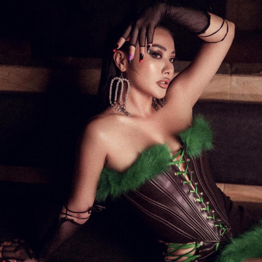 Yaya Trương Nhi đăng ảnh sexy liền nhận hàng loạt bình luận phản cảm-4