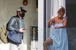 Jennifer Lopez tươi rói bên Ben Affleck trong nhà nghỉ