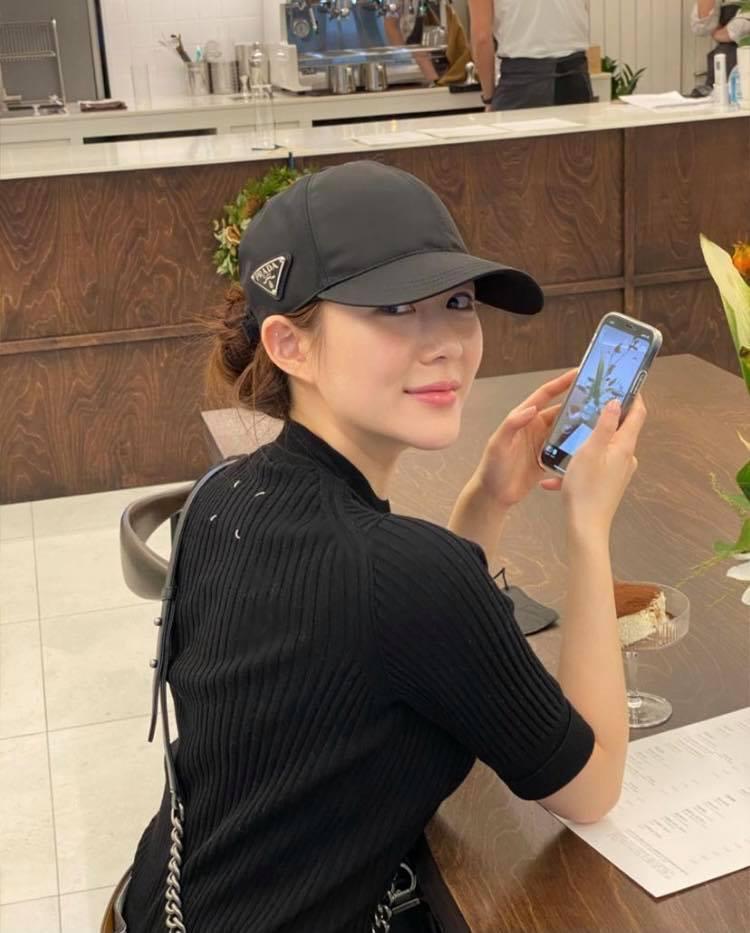 Nhan sắc và gia thế không phải vừa của tình mới Lee Seung Gi-5