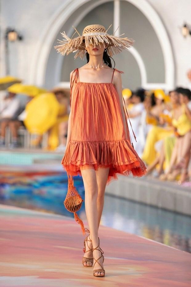 Xu hướng thời trang hè 2021: Sự trở lại của những bộ đồ Crochet-10
