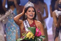 Tân Miss Universe Andrea Meza lộ ảnh quá khứ 'vịt bầu'