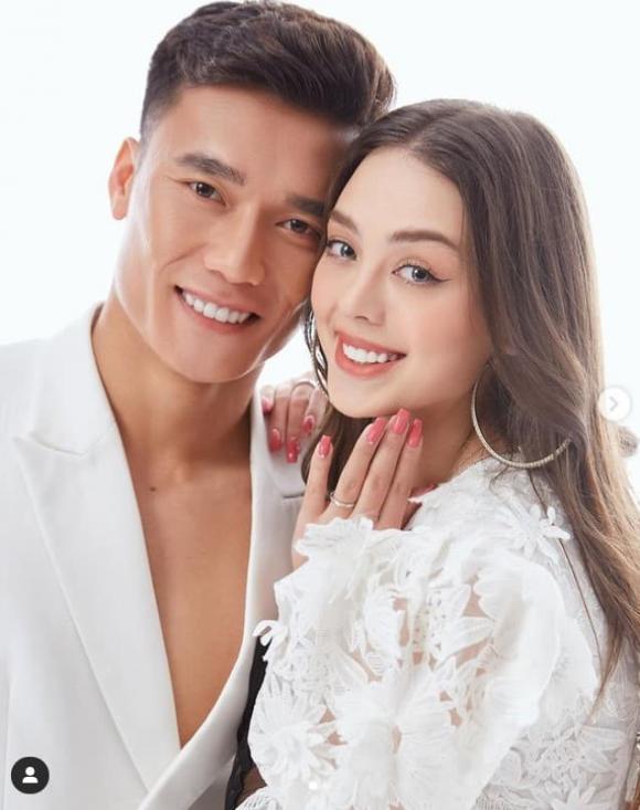 Bùi Tiến Dũng hạnh phúc bên bạn gái dù không được cùng tuyển Việt Nam đi UAE-4