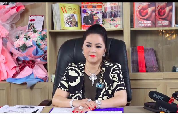 Vy Oanh tắt bình luận kênh Youtube sau status đáp lễ bà Phương Hằng-1