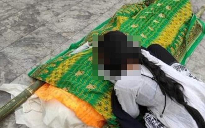 Đi xin ăn vì quá đói, người phụ nữ Ấn Độ bị cưỡng hiếp tập thể trên xe cứu thương-2