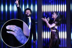 Ariana Grande lộ nhẫn cưới khi trình diễn 'Save Your Tears' cùng The Weeknd