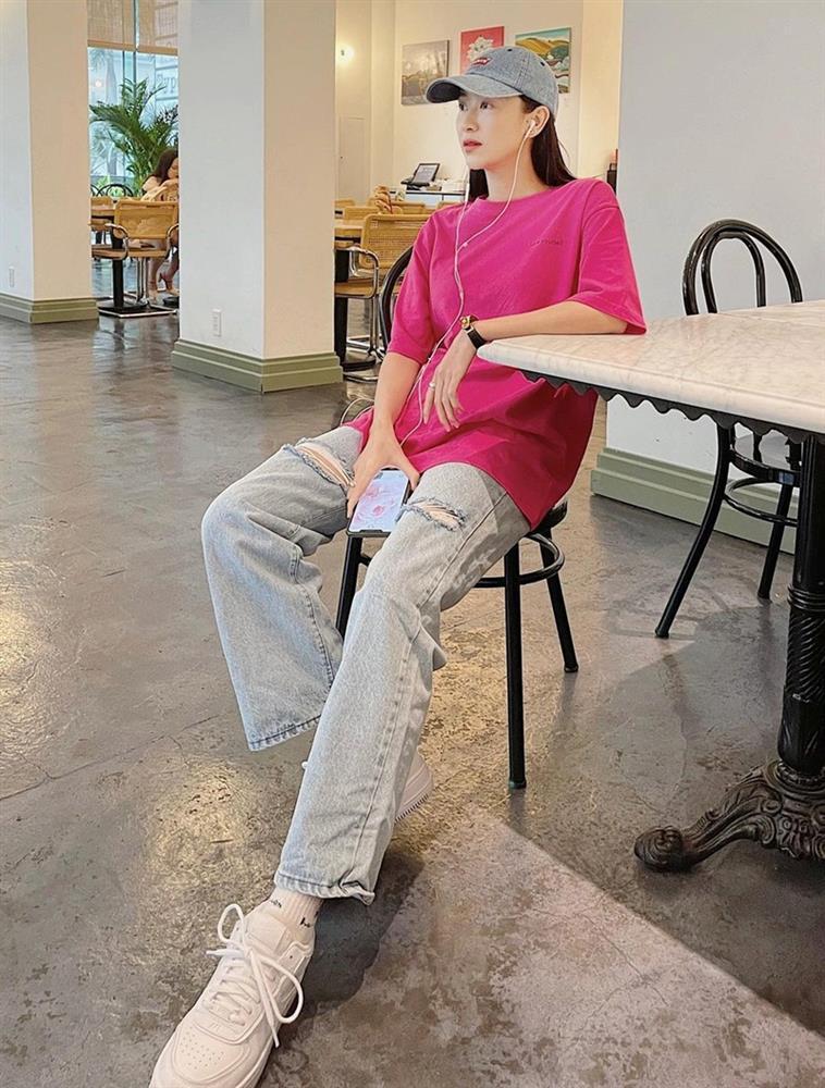 Street style đầu tuần: Sao Việt mê mệt sắc hồng cánh sen trendy-2
