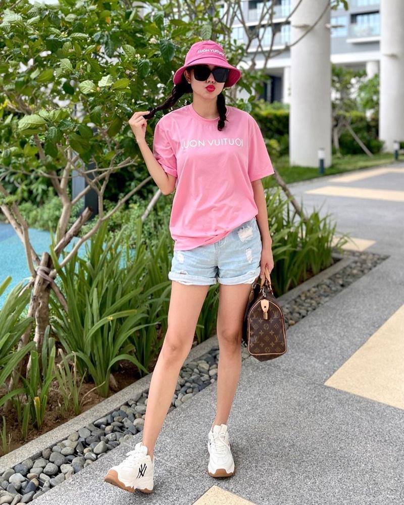 Street style đầu tuần: Sao Việt mê mệt sắc hồng cánh sen trendy-11
