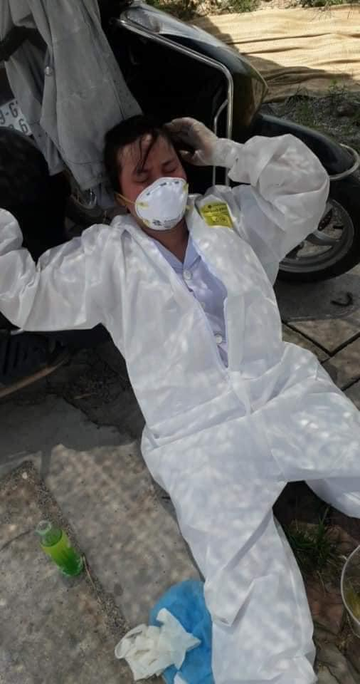 Mặc nắng nóng kinh hoàng, y bác sĩ vẫn nhảy múa lạc quan giữa tâm dịch Bắc Giang-1