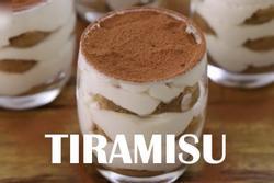 Mẹo làm bánh tiramisu hấp dẫn trong ly thủy tinh