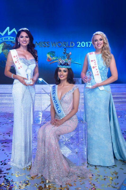 Đỗ Mỹ Linh chụp hình cùng tân Miss Universe, chiều cao cột đèn - máy nước-2