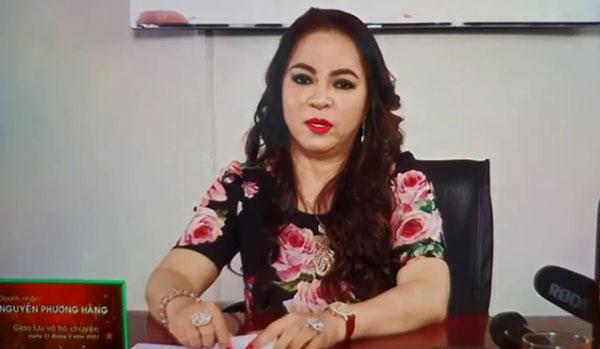 Bà Phương Hằng khóc ngất trên livestream: Họ lấy quyền gì giẫm đạp tôi?-3