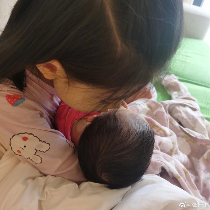 Hoa hậu Thế giới Trương Tử Lâm hạ sinh con gái thứ hai-2