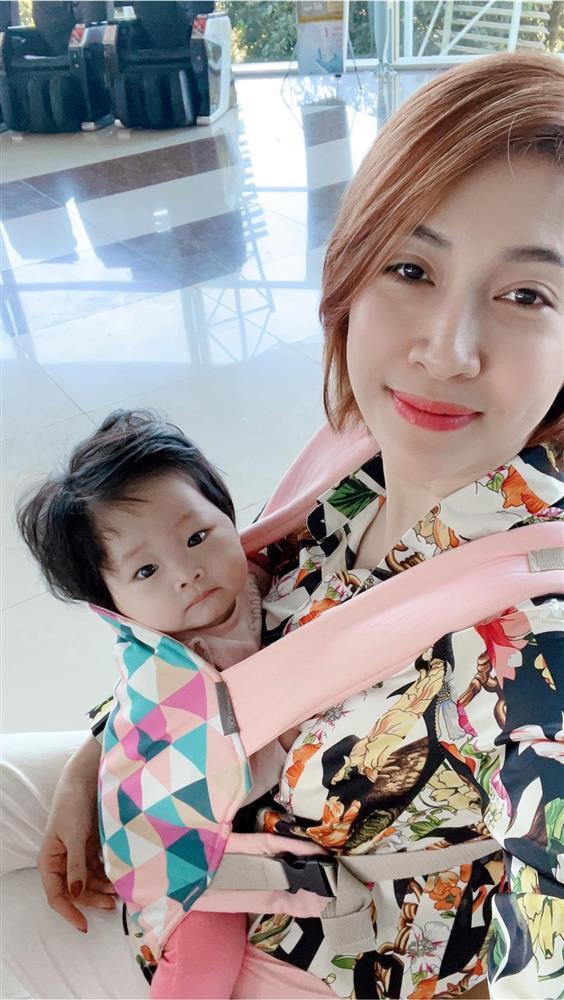 Khi con mình bị so sánh với con Hà Hồ, Đàm Thu Trang trả lời thế nào?-7