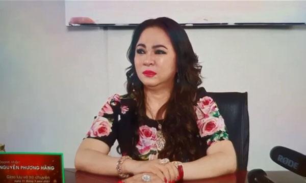 Clip: Bà Phương Hằng thể hiện giọng ca vàng, hát hay chẳng bằng hay hát!-1