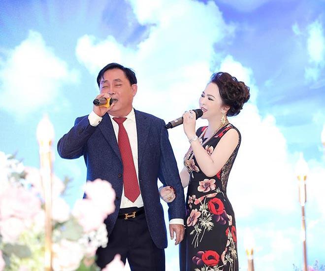 Clip: Bà Phương Hằng thể hiện giọng ca vàng, hát hay chẳng bằng hay hát!-3