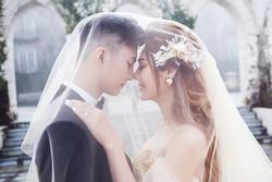 Lâm Khánh Chi kỷ niệm 4 năm ngày cưới chồng trẻ