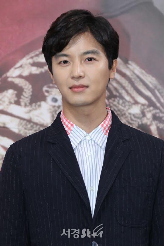 Trước kết hôn, Son Ye Jin vẫn bận rộn đóng phim mới-1