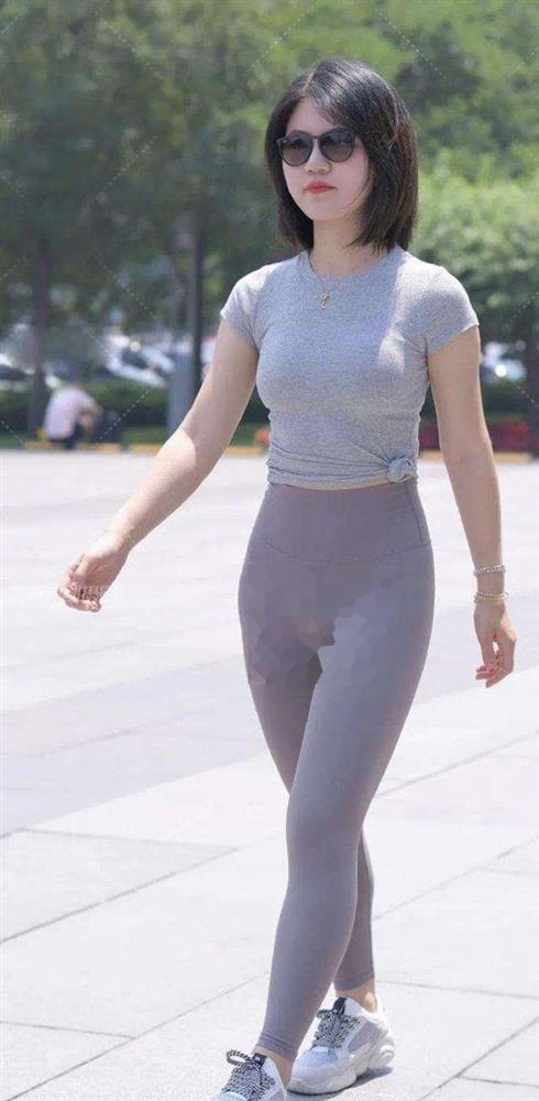 Quần legging phản chủ, show hết vùng nhạy cảm của chị em ngày hè-4