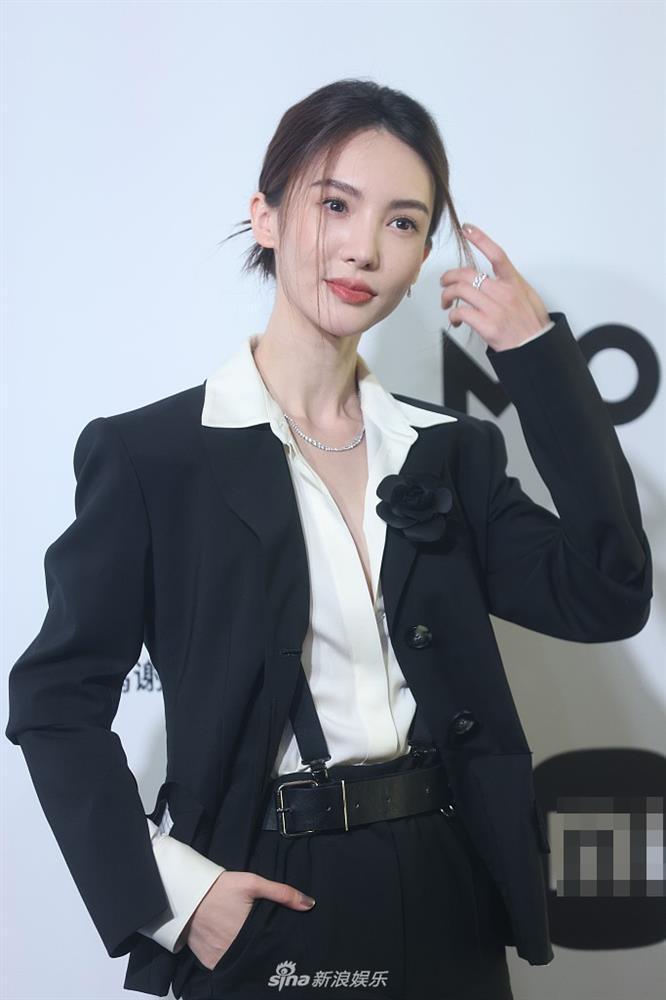 Sự kiện duy nhất ở Cbiz toàn bộ nghệ sĩ nữ đều mặc Suit-13