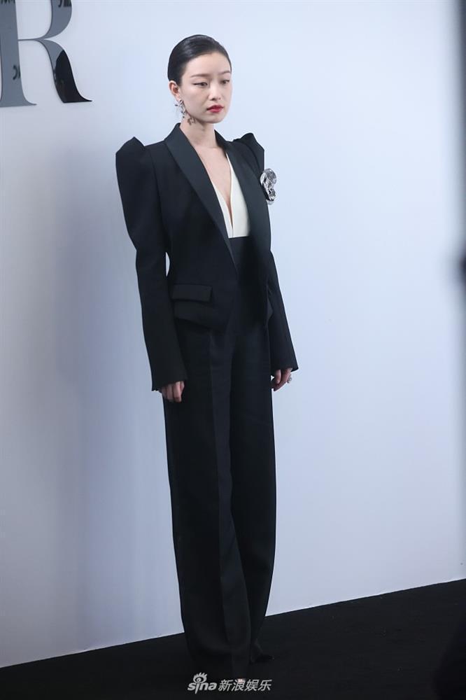 Sự kiện duy nhất ở Cbiz toàn bộ nghệ sĩ nữ đều mặc Suit-9