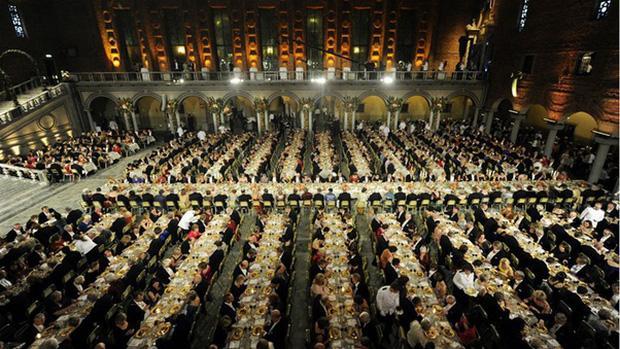Làm thế nào để bếp trưởng chuẩn bị phần ăn cho những bữa tiệc sang trọng đón hàng nghìn khách?-1