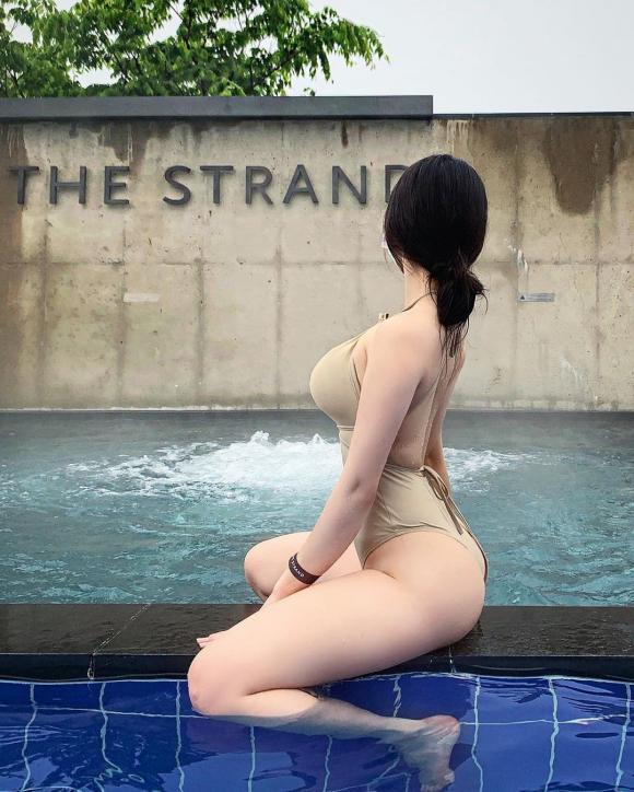 Gái xinh xứ Hàn nổi như cồn nhờ mặc đồ bơi gợi cảm-1