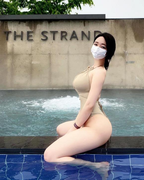 Gái xinh xứ Hàn nổi như cồn nhờ mặc đồ bơi gợi cảm-2