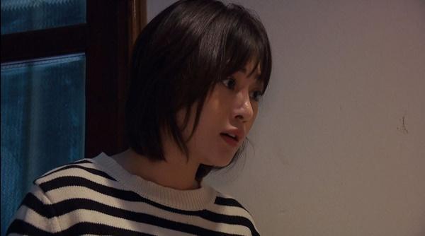 Loạt áo len nhìn là hốt của Phương Oanh trong Hương Vị Tình Thân phát sóng giữa hè-1