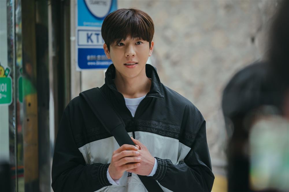 Tạo hình ấn tượng của mợ ngố Song Ji Hyo trong phim mới-4