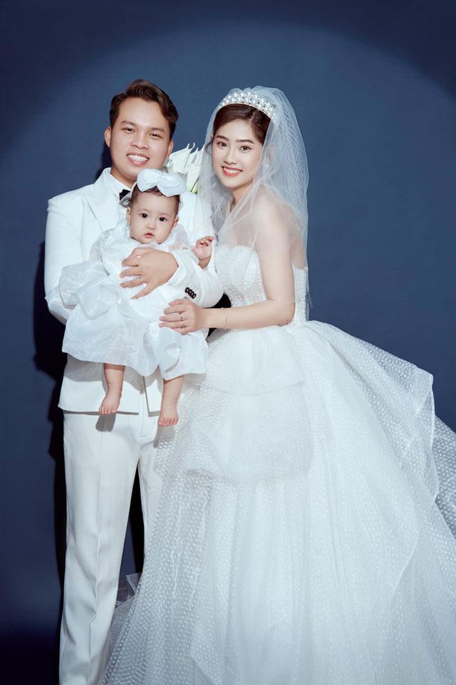 Cặp đôi hoãn cưới 2 lần vì COVID-19, đưa con chụp ảnh cưới cuối cùng vẫn toang-1
