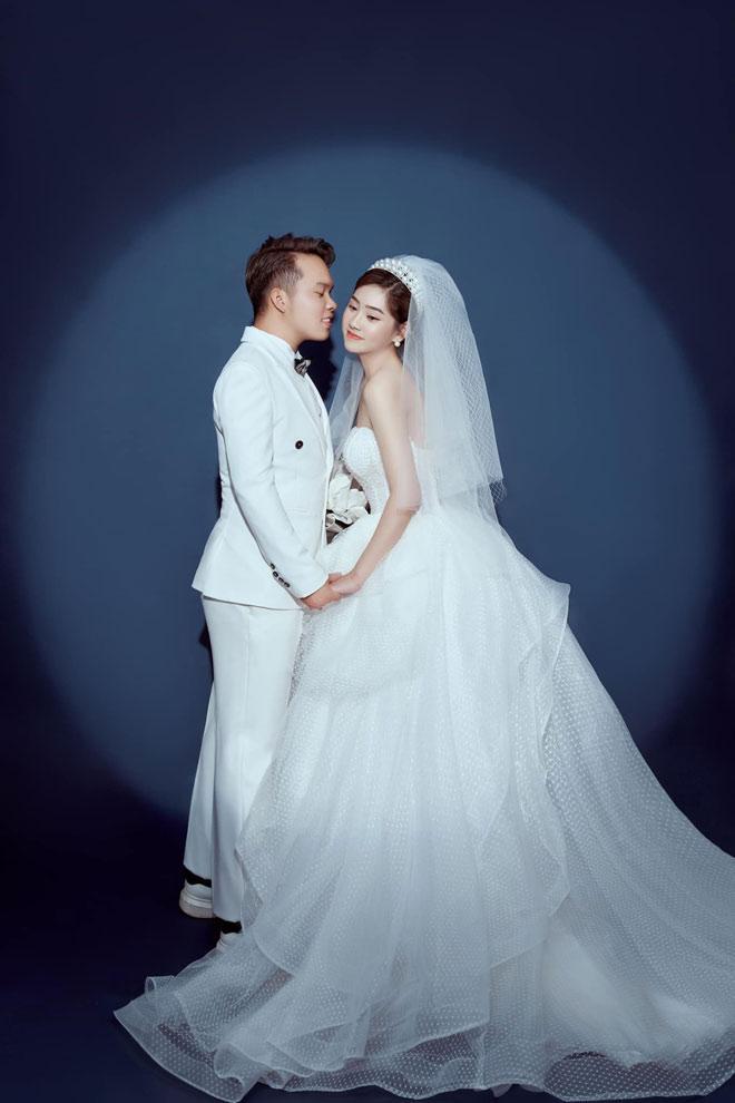 Cặp đôi hoãn cưới 2 lần vì COVID-19, đưa con chụp ảnh cưới cuối cùng vẫn toang-3