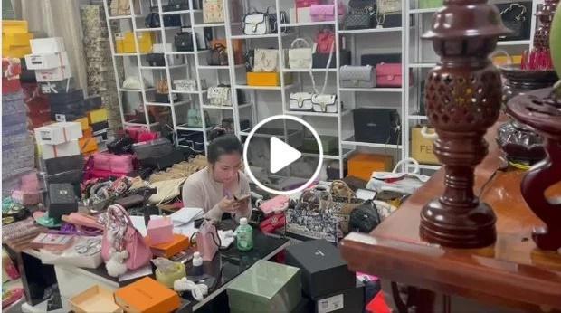 Vợ Lê Dương Bảo Lâm bị phạt 50 triệu vì bán nước hoa Gucci, Chanel pha ke-2