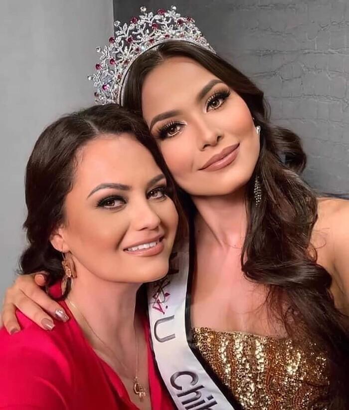 Tân Miss Universe bị chê già gần bằng mẹ khi khoe ảnh chụp chung-1
