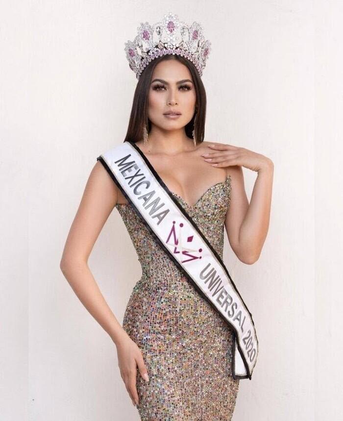 Tân Miss Universe bị chê già gần bằng mẹ khi khoe ảnh chụp chung-3