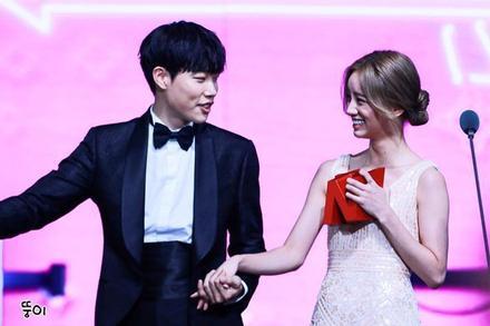 Hyeri và Ryu Jun Yeol lộ ảnh hẹn hò, đập tan tin đồn chia tay