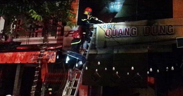 Cháy tiệm bán đồ điện, gia đình 4 người tử vong, trong đó có phụ nữ mang thai-1
