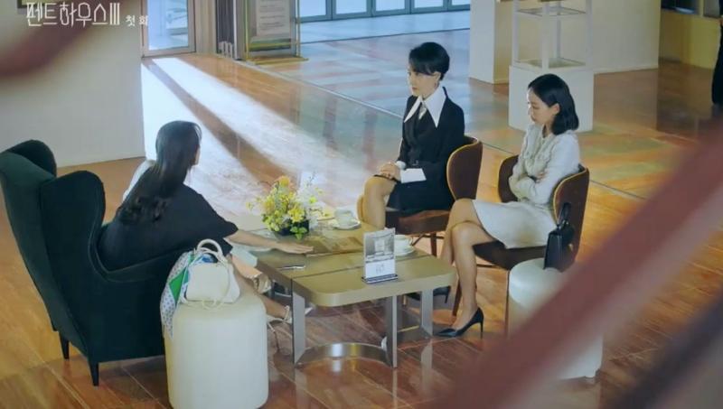 Penthouse 3 tập 1: Vì Rona mà Seok Kyung hắc hóa, Ju Dan Tae chết hụt 2 lần-4