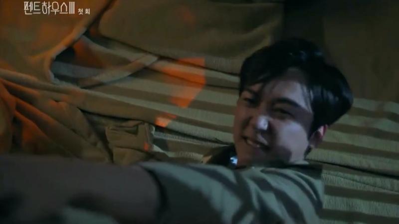 Penthouse 3 tập 1: Vì Rona mà Seok Kyung hắc hóa, Ju Dan Tae chết hụt 2 lần-5