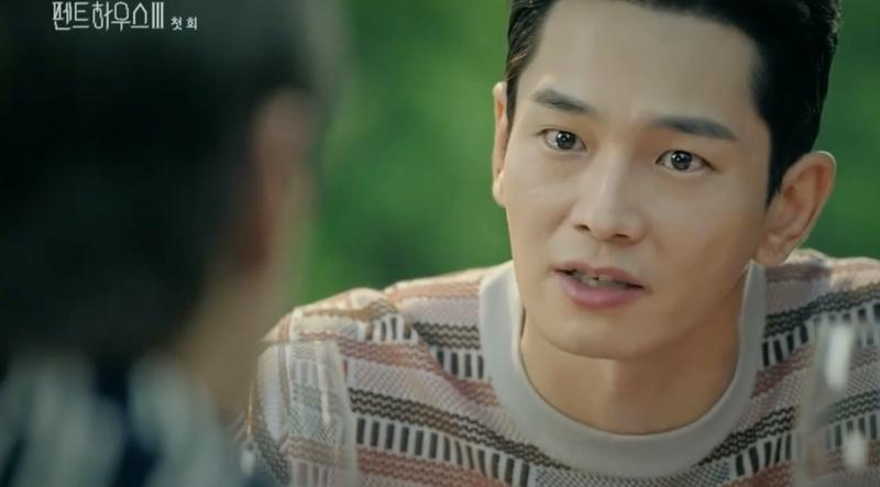 Penthouse 3 tập 1: Vì Rona mà Seok Kyung hắc hóa, Ju Dan Tae chết hụt 2 lần-9