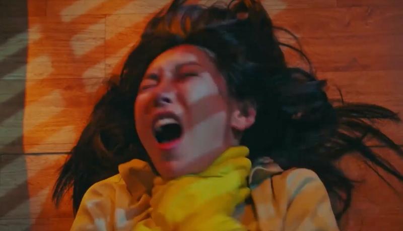 Penthouse 3 tập 1: Vì Rona mà Seok Kyung hắc hóa, Ju Dan Tae chết hụt 2 lần-24